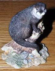 Border Fine Arts Otter